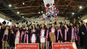 ERÜ Mühendislik Fakültesi'nde mezuniyet töreni düzenlendi