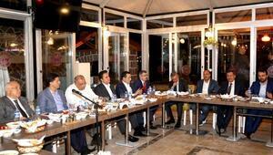 Ak Parti Ankara milletvekillerinin sahurda istişare toplantısı