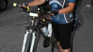 Kadın coğrafya öğretmeninin bisiklet tutkusu
