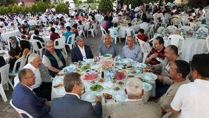 Doğu Türkistan, Suriye ve Irak'tan gelen Türkmenlere iftar programı