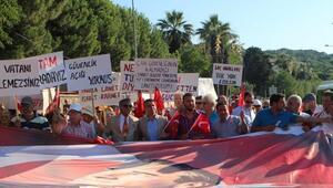 Ayvalıkta Madımak anması ve terör protestosu