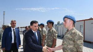 Vali Topaca, Türkmenlerle bayramlaştı