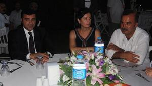 Demirtaş, İzmirde partililerle buluştu