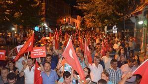 Ayvacık 5 bin kişi demokrasi şehitleri için yürüdü