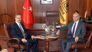 Dicle Üniversitesinin yeni rektörü Prof.Dr. Talip Gül göreve başladı