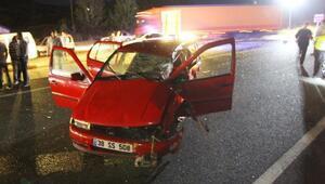Yolcu otobüsü otomobile çarptı: 1 ölü, 1 yaralı