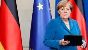 Almanya Başbakanı Merkel'den beşli zirve daveti