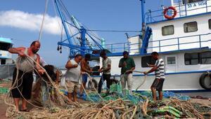 Balıkçılar yasağın kalkacağı 1 Eylülü bekliyor