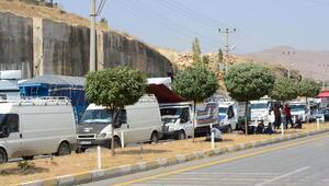 PKKlılar Bitliste yol kesti; 1 polis yaralı (2)