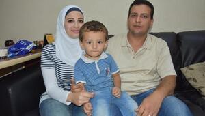 Suriyeli cerrah terzilik yapıyor