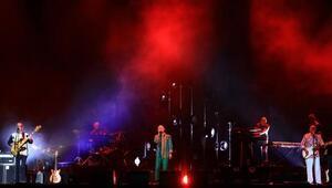 MFÖ, yıllara meydan okuyan şarkılarıyla EXPOyu coşturdu