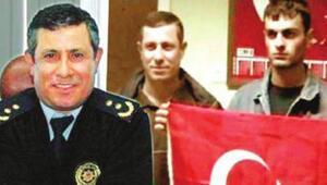 Skandal pozu veren polisler meslekten ihraç edildi