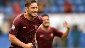 Totti, gemisini kurtardı