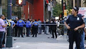 Trafik cezasına kızıp satırla polise saldırdı