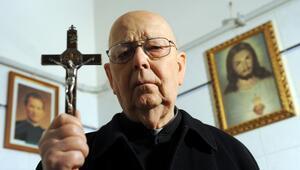 Dünyaca ünlü şeytan çıkarıcı rahip yaşamını kaybetti