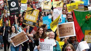 İngiltere'de binlerce kişi sığınmacılara destek için yürüdü