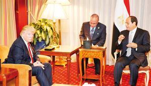 Trump ve Hillary Sisi ile görüştü