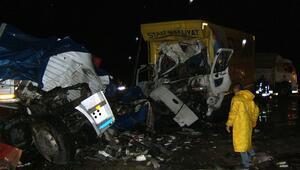 Afyonkarahisarda trafik kazası: 3 ölü, 5 yaralı