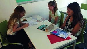 Üsküdar Üniversitesi'nden Almanya'daki gençlere eğitim desteği