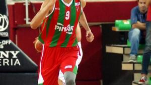 Pınar Karşıyakaya alkış
