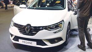 Türkiye'de yaklaşık 2 milyar dolara üretilen 9 yerli otomobil fuarın yıldızı oldu