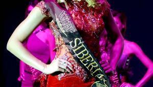 Bodrumdaki yarışmada güzellik kraliçesi tacı Sibiryalı Luliia Vaganovanın
