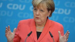 Merkel'e 'Adaylığınıilan et' baskısı