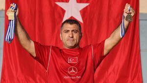 Federasyonun büyük ayıbı: Borçlu dünya şampiyonu