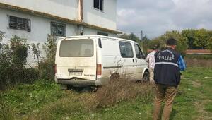 Gece çalınan minibüs sabah terk edilmiş bulundu
