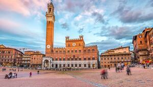 Toskanada bir Ortaçağ şehri: Siena