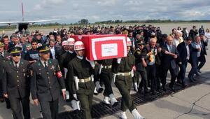 Şehit er Yunus Kaymakın cenazesi Çarşamba Havalimanına getirildi