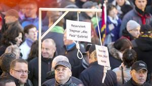 Aşırı sağcı partiler Avrupa'yı nasıl kuşattı