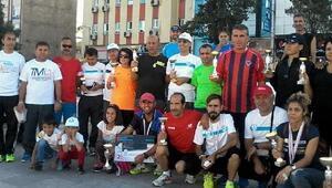 Tarsuslu Masterlerin 13 kupalı maraton başarısı