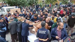 Çorlu Belediyesi halka aşure dağıttı