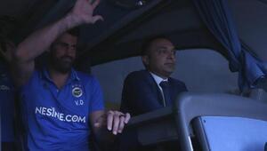 Fenerbahçe meşalelerle uğurlandı