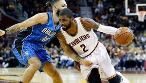 Cavaliers ve Spurs kayıpsız gidiyor