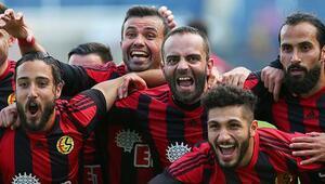 TFF 1.Lige Semih Şentürk damgası Bu kez hat-trick yaptı...