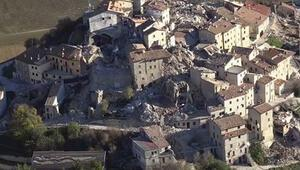 Deprem bölgesinde zemin 70 santimetre çöktü