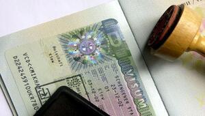 ABden vize açıklaması: Böyle giderse vize serbestisi 2018e kayar