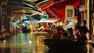 Dünyanın en ilginç pazarı Taylandda