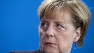 Türkiye'yi basın özgürlüğü konusunda eleştiren Merkel: Durum alarm verici