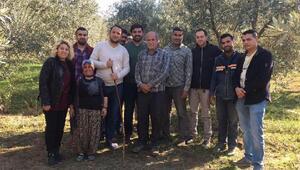 Zeytin hasadındaki çiftçilere CHPli gençlerden ziyaret