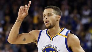 Stephen Curry kırılmaz denilen rekoru kırdı
