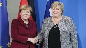 İltica tartışmasına başbakanlar da katıldı