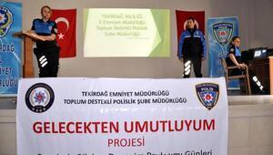 Polis, lise öğrencilerine suçlara karşı alınacak önlemleri anlattı