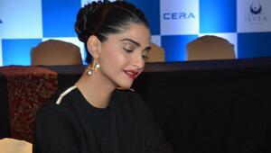 Bollywood yıldızı ISVEA'nın Hindistan'daki yüzü oldu