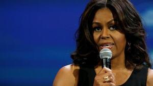 Michelle Obamayı topuklu giymiş maymuna benzettiler