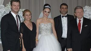 Kıvanç Tatlıtuğ'un ağabeyi Cem Tatlıtuğ, sanatçı eşi Burcu Özsoy'dan boşanıyor mu