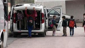 18 öğrenciyi hafif ticari aracıyla okula taşıyan öğretmene ceza