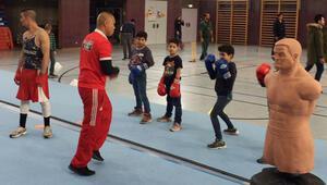 Mülteci çocuklara özel 3'ü bir arada etkinlik